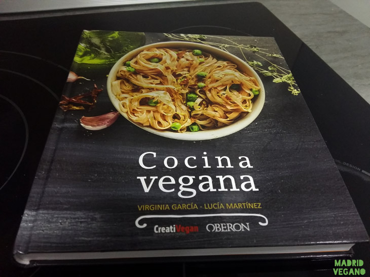 Portada del libro Cocina vegana de Oberon