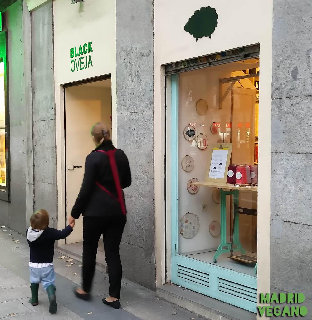 "Black Oveja, una tienda de ""lana vegana"" en Madrid"