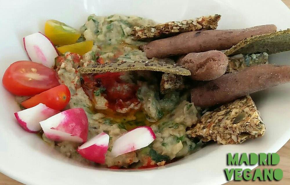 Bunny 39 s deli cocina vegana sana y deliciosa en chueca for Curso cocina vegana madrid