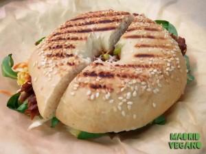 Lombarda Vegana, una sandwichería artesanal en el Mercado de Barceló