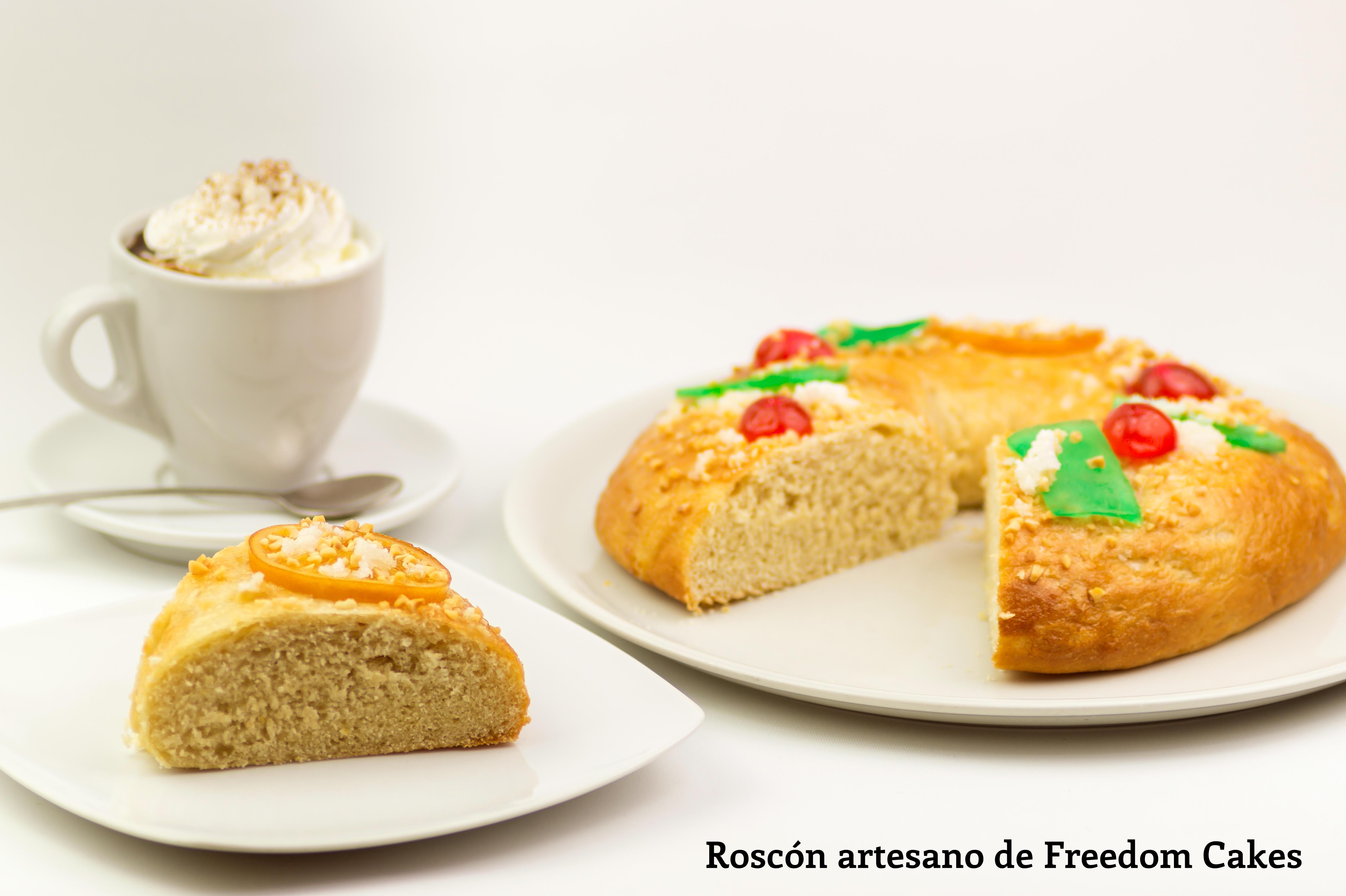 roscón relleno de nata de Freedom Cakes