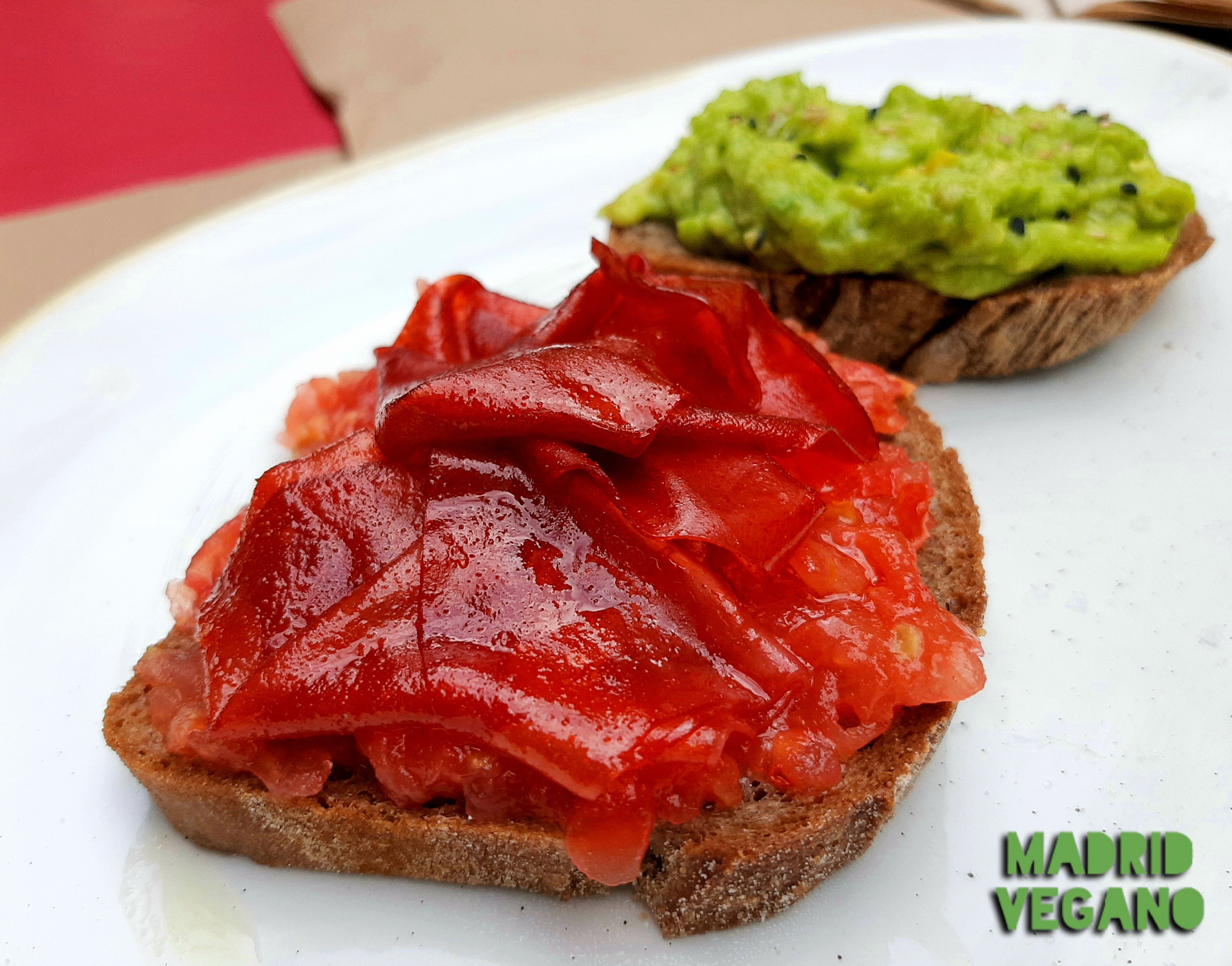 Brunch vegano y gluten-free en la terraza de La Modernista