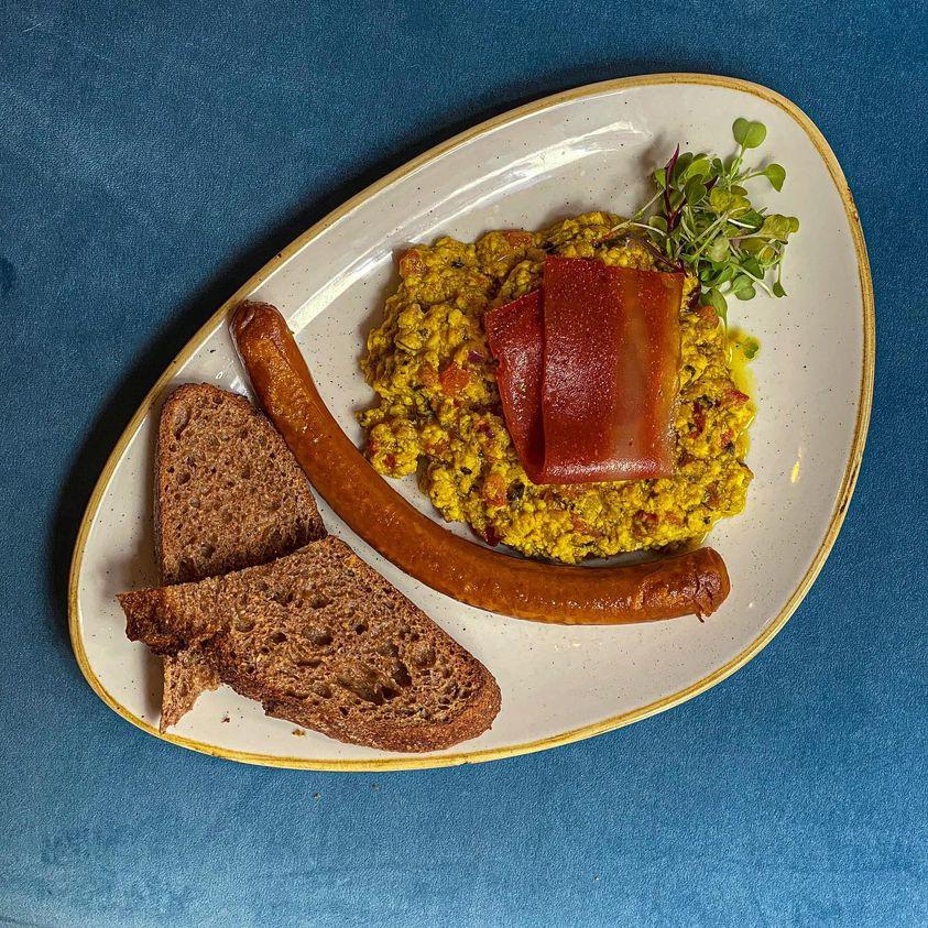 La Tía Carlota se reinventa como café y gastrobar en Lavapiés
