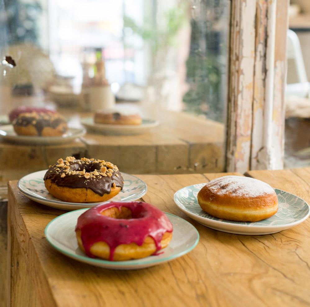 Million Dollar Vegan reparte 1.500 donuts veganos gratis en Madrid por el Día de la Tierra
